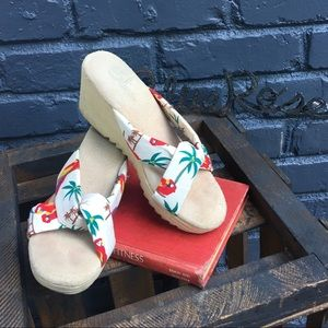 Vintage Sbicca tropical print wedged sandals